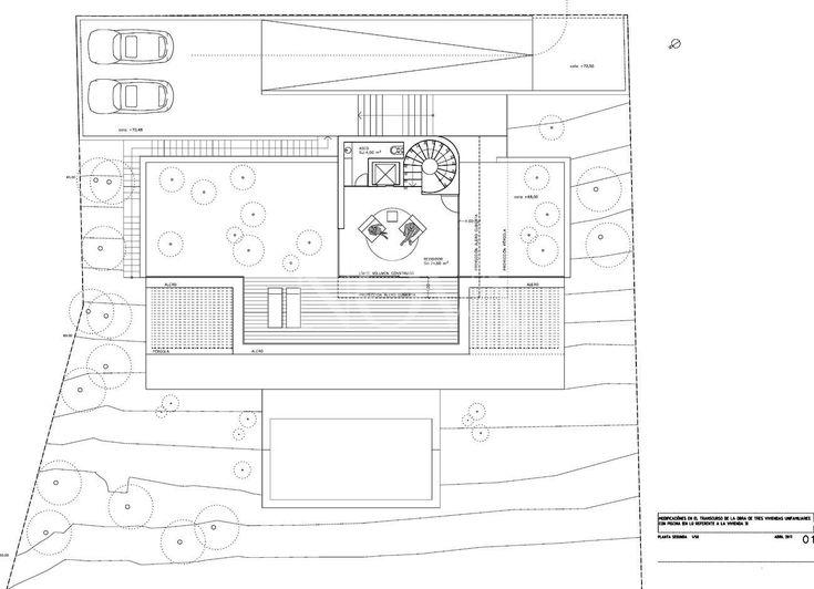 Gozando de extraordinarias vistas al mar desde su posición privilegiada en la exclusiva zona residencial de Cala Moragues en el suroeste de Mallorca, esta muy moderna villa de nueva construcción se sitúa a pocos minutos del Club de Vela y del centro de Puerto de Andratx con sus elegantes tiendas, boutiques de diseño y excelentes restaurantes.  La luminosa villa de lujo se distribuye en tres plantas y dispone de 4 dormitorios con baño en suite, incluyendo una suite principal con vestidor…