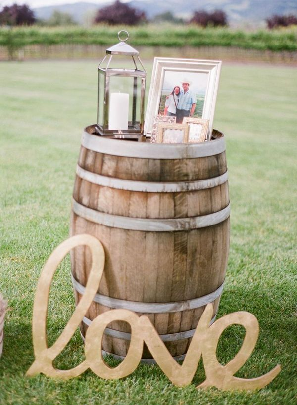 outdoor country rustic wedding decoration ideas with wine barrels