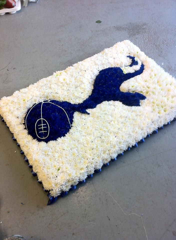 Tottenham club Badge funeral Tribute from https://www.facebook.com/funkyflorist in Andover Hampshire