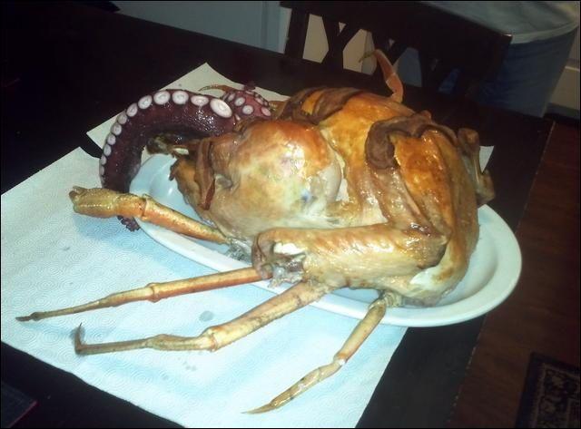 ホリデーシーズンの料理と言えばニワトリや七面鳥の丸焼きですが、これをうっかりシーフードと組み合わせると大変なことになってしまうので注意しましょう。ラヴクラフトのホラー小説的な生き物が召喚されてしま...