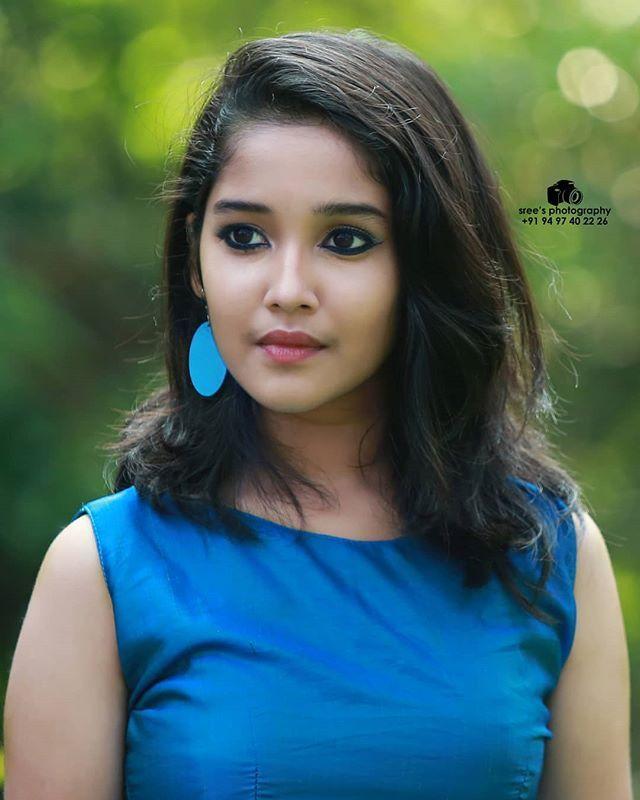 Full Hd Wallpapers Child Actress Anikha Surendran Photoshoot Stills Beauty Full Girl Child Actresses Beautiful Girl Face
