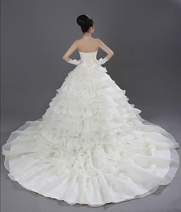 Giant Ball Gown Wedding Dress: Best 25+ Fluffy Wedding Dress Ideas On Pinterest