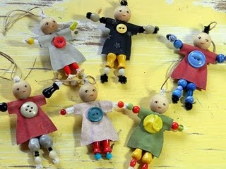 cute little pipe cleaner dolls...looks like fun and easy to make...Crafts Ideas, Horses, Adorable Beads, Crafty, Beads Dolls, Beads People, Kids Crafts, Easy Peasy, Peasy Beads