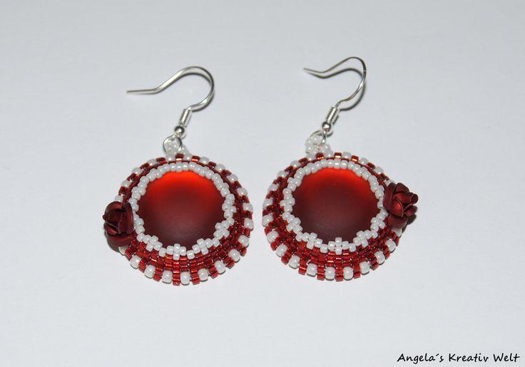 Rote Ohrringe mit Metall Rosen von Angela`s Kreativ Welt auf DaWanda.com