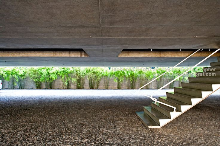 Paulo Mendes da Rocha — Forma store — Image 2 of 5 — Europaconcorsi