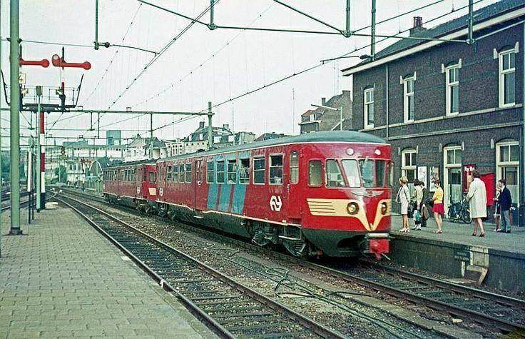 De diesels van het miljoenenlijntje. Jarenlang mee gereisd. 1969