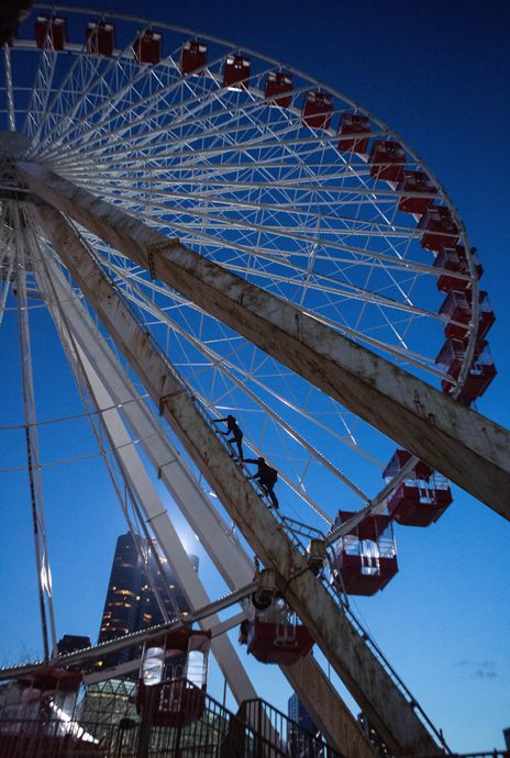Divergent: Four and Tris Climbing the Ferris Wheel (Love this shot.)