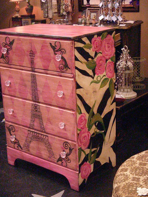painted chest of drawers.  luckypeachdesigns.shutterfly.com