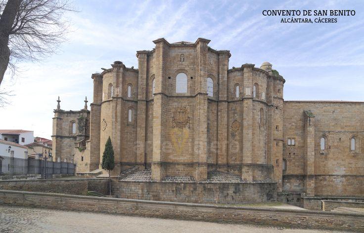 Convento de San Benito de #Alcántara #Cáceres Vista del ábside http://arteviajero.com/