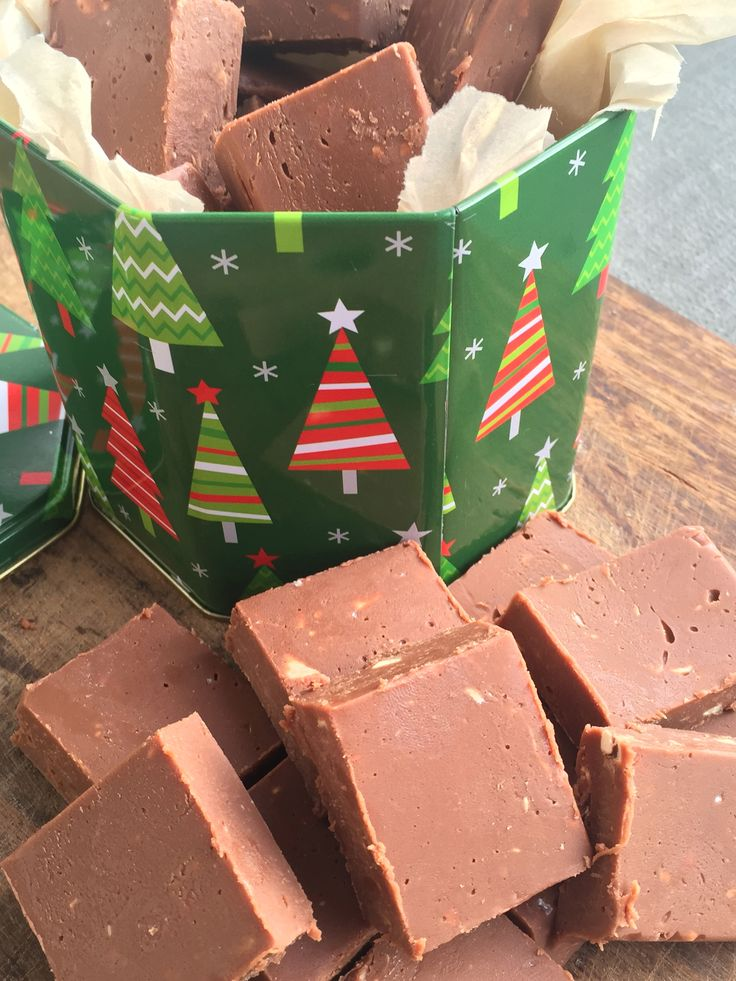 Toblerone Fudge!!! from moodylittlekitchen.com  So easy and so delicious!! #fudge #toblerone #christmas