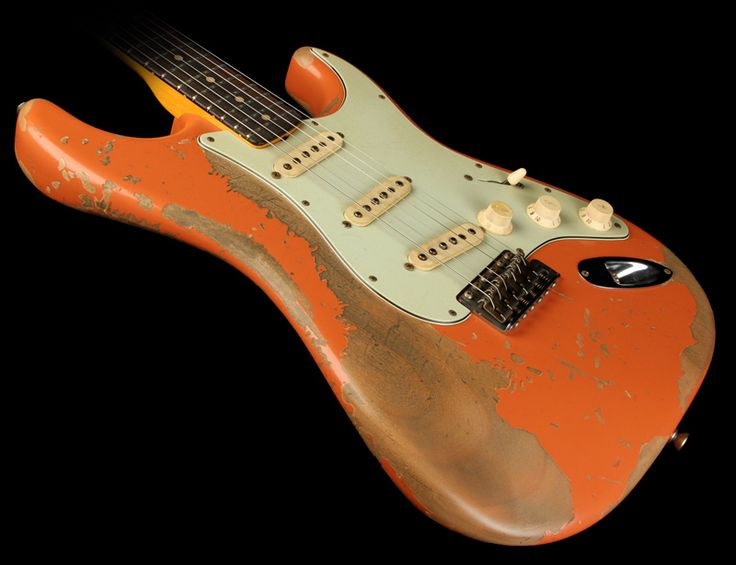 Fender Custom Shop Exclusive Masterbuilt '62 Stratocaster Ultimate Relic Electric Guitar Coral Pink