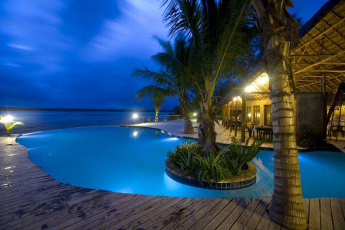 pomene lodge, mozambique a very good spot for divers, and camping