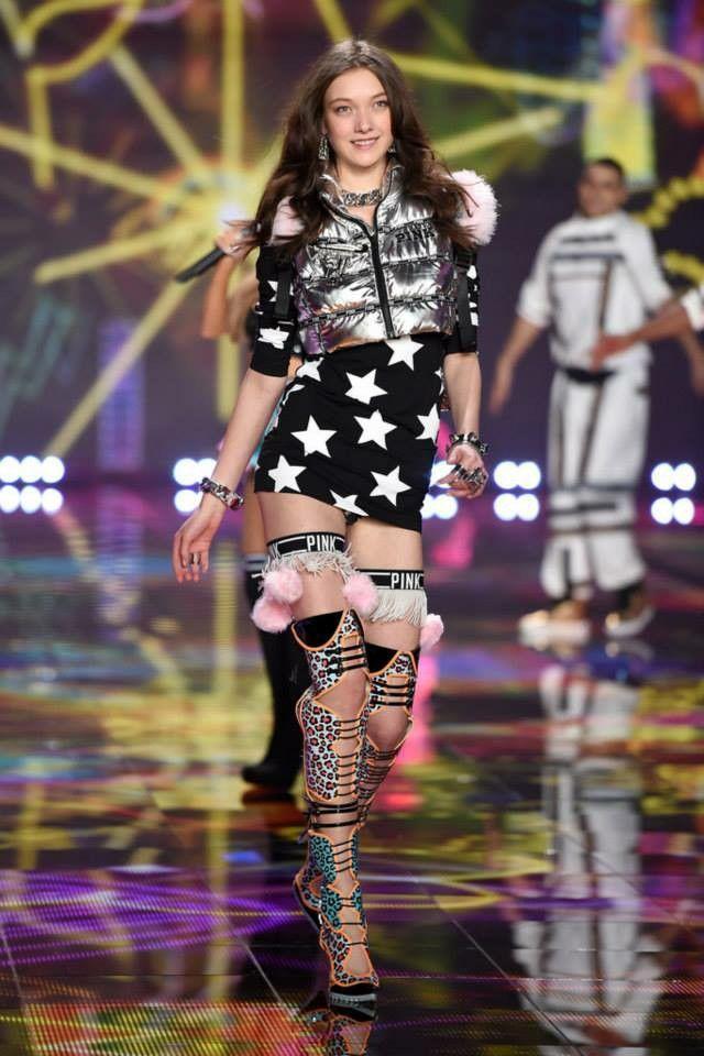VS Fashion Show 2014: University of PINK  Yumi Lambert