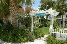 Cottages Entry {Cottages by the Ocean} Beautiful, clean, affordable beach vacation rental - Pompano Beach - Fort Lauderdale, Florida