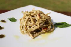 Espaguetti delicioso de pupunha, bem prático e fica incrível.