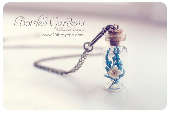 Dried flowers bottle Necklace. Flower necklace,Glass Vial Necklace, Glass Bottle Pendant.Cute Necklace Miniature terrarium necklace