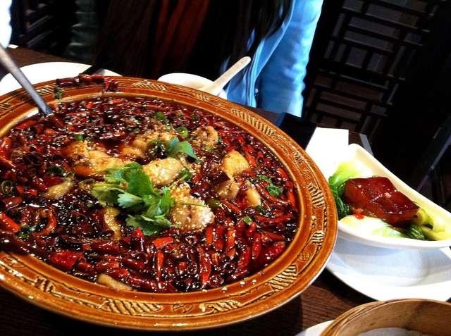 Fish fillet in hot chilli oil