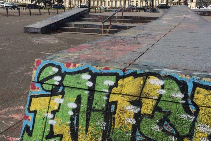 Spot : Streetpark Ricordeau (44) - Plus de spots et de skateparks sur www.spotsdeskate.fr