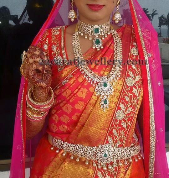 Jewellery Designs: Gorgeous Bride in Royal Jewelry