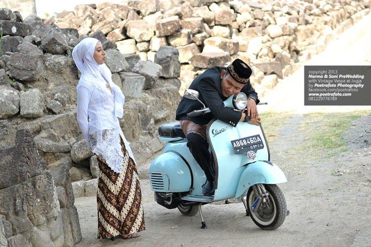Foto Pre Wedding Outdoor Jilbab Muslim dgn Vespa Lucu di Jogja, Mau? http://prewedding.poetrafoto.com/foto-prewedding-outdoor-jilbab-muslim-dgn-vespa-lucu_459