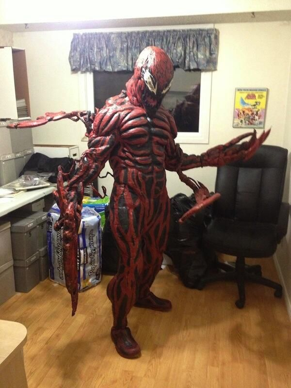 A Terrifyingly Good Carnage Cosplay | Marvel Universe ... Maximum Spider Gif Images