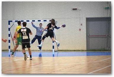 I #parquet da #pallamano Dalla Riva soddisfano in pieno i requisiti che una #pavimentazione #sportiva, adibita a questo #sport, deve rispettare.