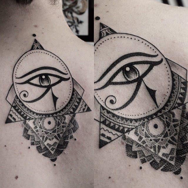 Les 25 meilleures id es de la cat gorie tatouage horus sur pinterest tatouage d 39 anubis - Tatouage oeil d horus ...