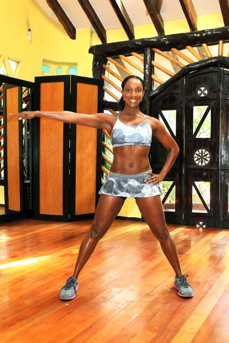 8.Empuja la pierna derecha y subir. Mantenga su brazo izquierdo extendido hacia un lado, y los pies separados.