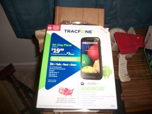 Motorola-Moto-E-Android-Smartphone-w-1200-Minute-Te-xt-Data-Included-Tracfone