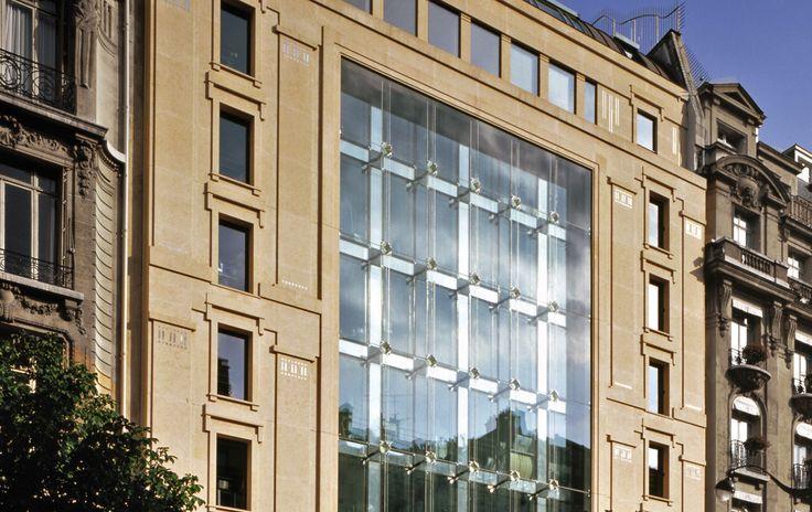 Ricardo Bofill, Taller de Arquitectura -  Parfums Christian Dior Headquarters in Paris, France