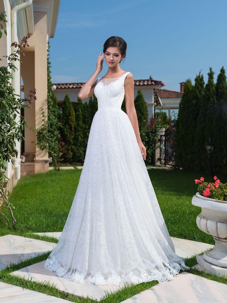 Očarujúce dlhé čipkované svadobné šaty