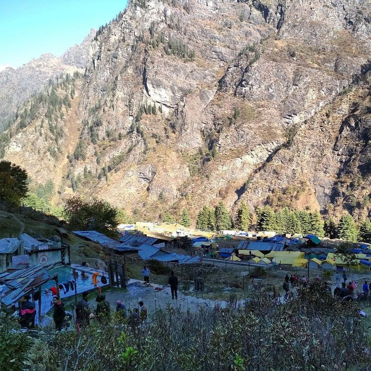 Kheerganga camping & hot springs. The modern heaven with spiritual power. Must visit the place but you have to trek 11km with a high difficulty level.  #Kedygraphy #kheerganga #kheergangatrek #trekking #adventures #camping #view #Nature #hotsprings #spiritual #instalike #instatravel #sky #bluesky #MountainLife #himanchaldiaries #pool #wintertrek #campinglife #travelers_of_india #travelphotography #throughback