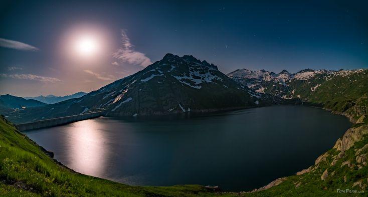 Moonshine lake