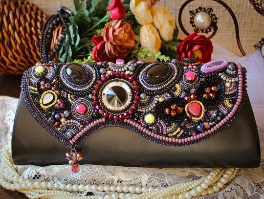 Amazing bead embroidered bags | Beads Magic. Loving the scalloped hem.