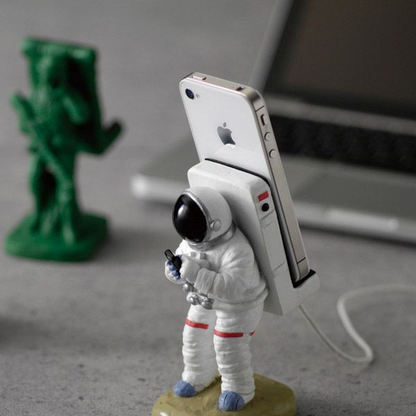 Astronaut iPhone dock. This is awesome. The same company makes army men, bell boy and animal iPhone docks too.