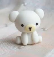 Osito polar Kawai en porcelana fria