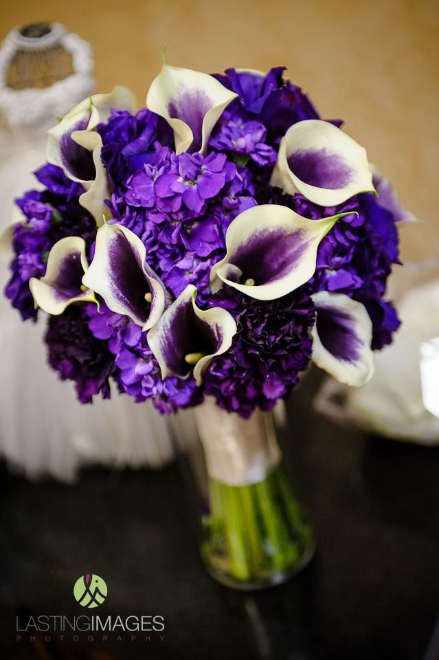 Purple bridal bouquet with hydrangeas and calla lilies | Lasting Images Photography | villasiena.cc