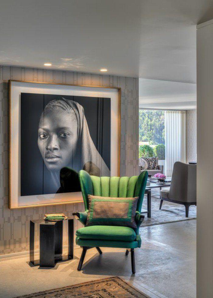 comment decorer sa maison, tableau d'art grand sur le mur, tapis marron