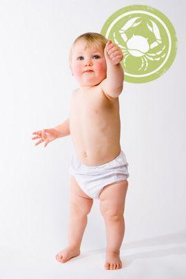Wie Babys ticken, die im Sternzeichen Krebs geboren sind? Unsere Astrologin verrät es im Geburtshoroskop. © Thinkstock