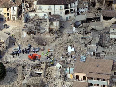 Seven of #Italy's leading experts on natural disasters have each been sentenced for giving false assurances before a 2009 #earthquake.