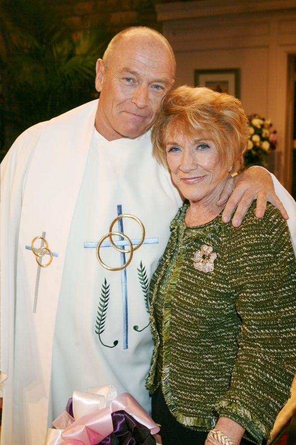 Corbin Bernsen with his real life mom Jeanne Cooper. AKA Father Todd Williams & Katherine Chancellor.