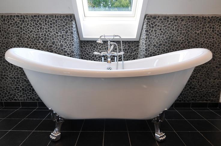 53 best salles de bain r tro images on pinterest bathroom bathroom ideas and bathrooms decor. Black Bedroom Furniture Sets. Home Design Ideas