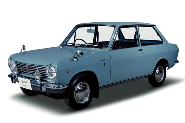 Nostalgic2days特別展示車両 1966年式日産サニー1000デラックス2ドア3速コラム