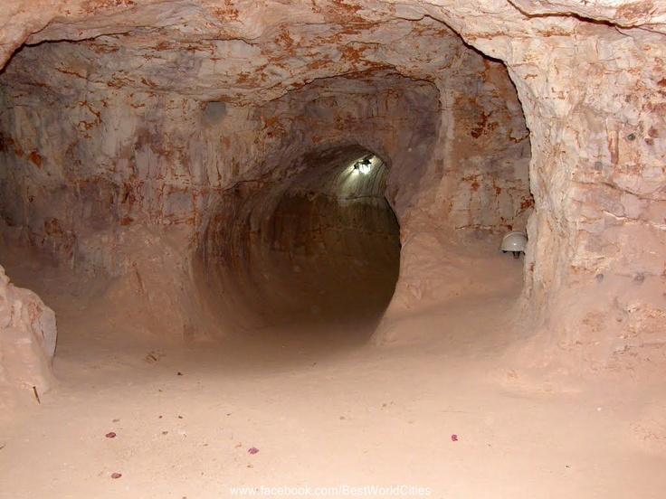 Coober Pedy, Australia, opal mine
