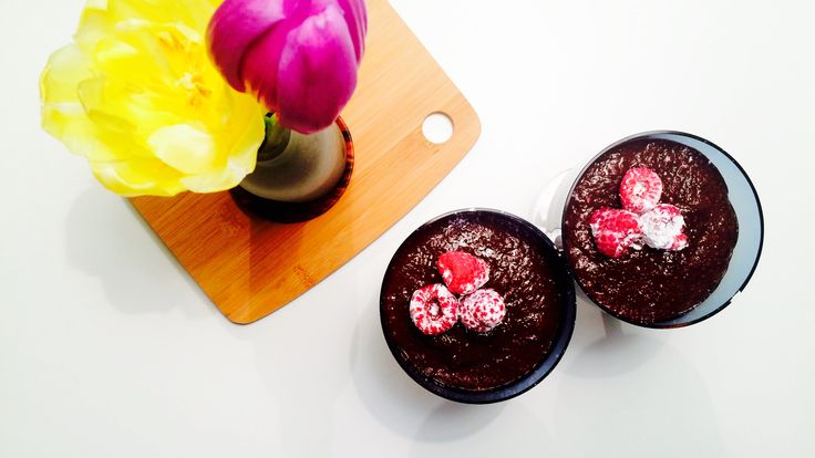 Vegansk sjokoladepudding - som også kan gjøres instant med noen få forberedelser! Se oppskrift på Green Bonanza.