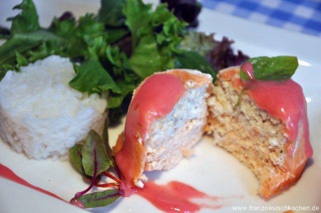 Fischterrine mit weißer Buttersauce (Terrine de poissons sauce au beurre blanc)