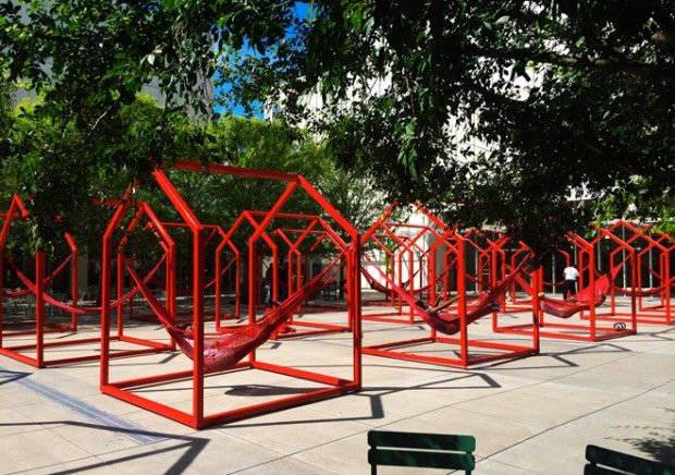 The High Museum of Art d'Atlanta a demandé aux artistes Héctor Esrawe et Ignacio Cadena de réaliser cette installation interactive pour animer et décorer l