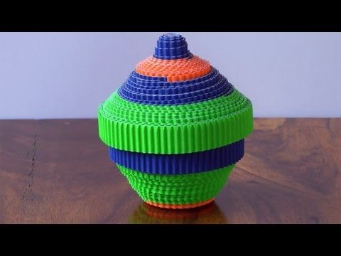 os proponemos una manualidad para tod@s las edades!! Crea unas bonitas cajas multiusos...con cartón ondulado micro canal que encontrarás en Papel Ya!: http://www.papelya.com/p/carton_ondulado_microcanal_de_colores/367/