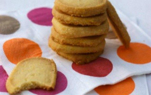 Μπισκότα με σιμιγδάλι και μέλι