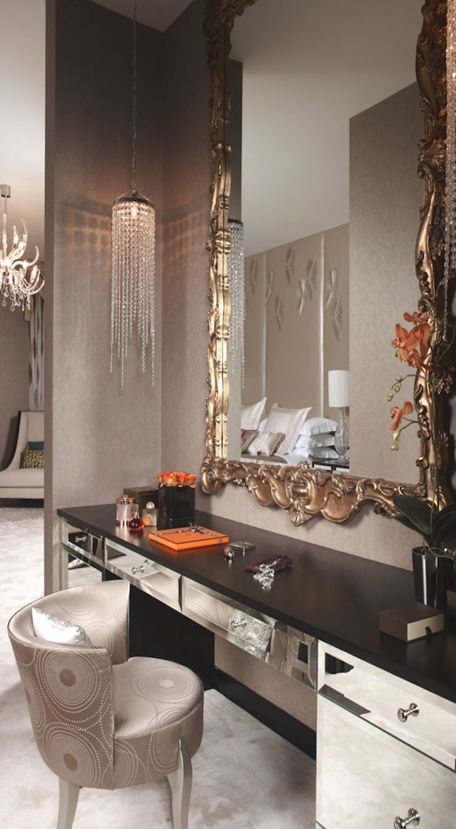 Round chair + mirrored vanity = A pretty and contemporary take on Art Deco!